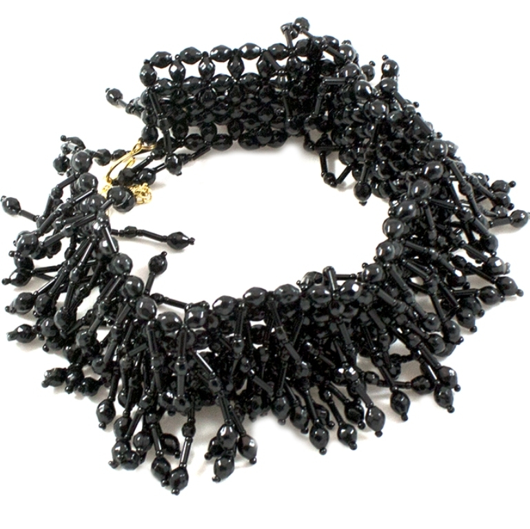 Μαύρο κολιέ τσόκερ με χάντρες Black swan στο Studio Accessori 162268fab82