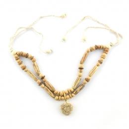 Crochet κολιέ με ξύλινες χάντρες και καρδιά 92d0d5b1af4
